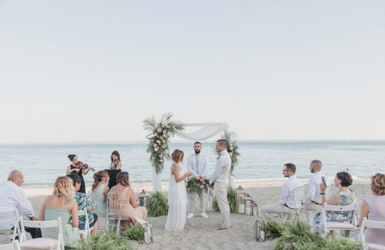 Wedding on the beach by Giovanna Damonte